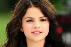 Cancer Celebrity Selena Gomez